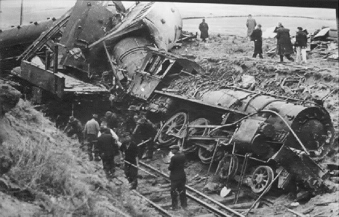 December 24, 1953.  The Tangiwai disaster which was the worst rail accident in New Zealand history. 151 killed.
