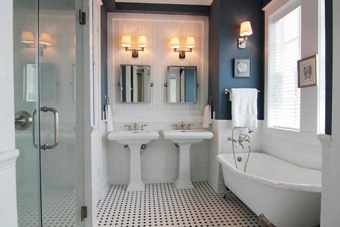 Navy and white bathroomWall Colors, Bathroom Design, Boys Bathroom, Beach Dreams, Beach Houses, Beach House Bathroom, Dreams House, Dreams Bathroom, Bathroom Ideas