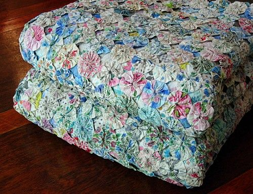 Em's Heart Antique Linens -Vintage Feedsack Yo Yo Quilts