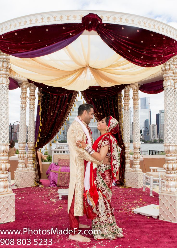 Sindhi Punjabi Wedding By Photosmadeez In Hyatt Jersey City Nj With Elegant Affairs Inc Sv Bridal Indian Wedding Theme Indian Wedding Wedding Decor Photos