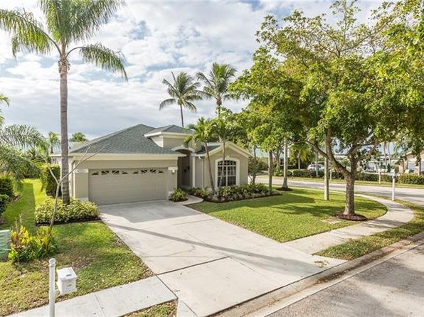 428 Emerald Cove Ln Cape Coral Fl 33991 Mls 219001129 Zillow Cape Coral Home And Family House Styles