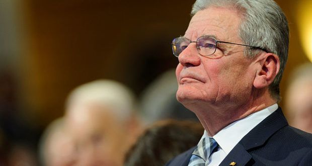 """Ich sah mich veranlasst, die Weihnachtsansprache des scheidenden Bundespräsidenten, Joachim """"IM Larve"""" Gauck, vorab zu kommentieren, welche heute am 25.12. um 20:10 Uhr von der ARD ausgestrahlt wird. Es ist meine persönliche Sicht der Dinge und meine eigene Erfahrung in diesen Kommentar mit eingeflossen."""