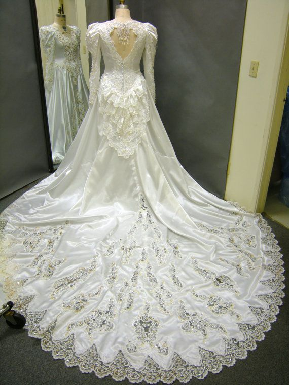 132 best 80 39 s 90 39 s wedding dresses images on pinterest for Wedding dresses under 150 dollars