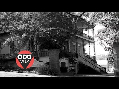 Bed and breakfast deemed too haunted for guests. #GhostsCaughtOnCamera, #HauntedBedAndBreakfast, #HauntedHotel, #HauntedHouse, #IBelieveInGhosts, #OddVuz, #ParanormalInvestigation, #PatrickJones, #RealGhosts, #TheDuffGreenMansion, #WeirdNews #BedandBreakfastVideos The Duff Green Mansion in Vicksburg, Mississippi is no longer running as a bed and breakfast after too many guests reported strange happenings. Paranormal investigators back up the claims. Patrick Jones (@Patrick_E