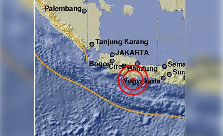 Gempa Berkekuatan 5,2 SR Guncang Kabupaten Tasikmalaya https://malangtoday.net/wp-content/uploads/2017/02/gempa-tasik-.jpg MALANGTODAY.NET – Sebuah gempa bumi berkekuatan 5.2 Skala Richter terjadi di Kabupaten Tasikmalaya, Jawa Barat. Berdasarkan data Badan Meteorologi, Klimatologi, dan Geofisika gempa terjadi pukul 15.12 WIB dengan kedalaman 49 Km di dalam tanah. Pusat gempa berada 33 km arah Tenggara ... https://malangtoday.net/flash/nasional/gempa-berkekuatan-52-sr