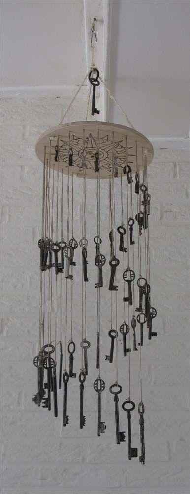 windgong gemaakt van oude sleutels
