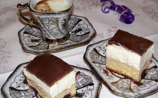 Retete Culinare - Prajitura cu visine alcoolizate si coniac