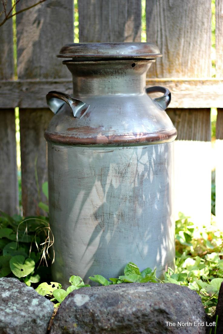 technique for painting a milk can to make it look old and rusty