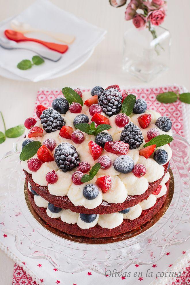 Olivas en la cocina: Bizcocho Red Velvet con Frutos Rojos