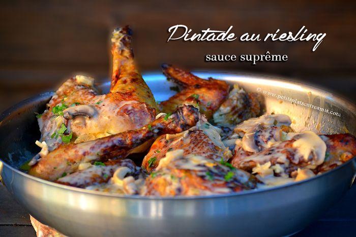 Cette recette de pintade sauce suprême fait partie de ces plats que l'on se transmet entre ami(e)s et dont on est certain qu'ils plairont à tout le monde. Avec cette recette, votre pint…