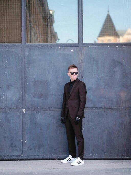 SAND Copenhagen suit & adidas superstar sneakers