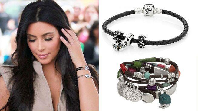 Kim Kardashian con pulseras de cuero con abalorios #Pandora