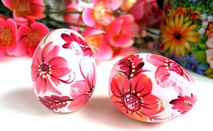 Церковь просит украинцев не покупать наклейки с иконами для пасхальных яиц - лучше украшать яйца цветами и узорами