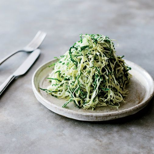 Best Kale Recipes   F&W's best kale recipes include a take on Caesar salad, delectably crisp kale chips, kale stews, and kale toast. Read on for more.