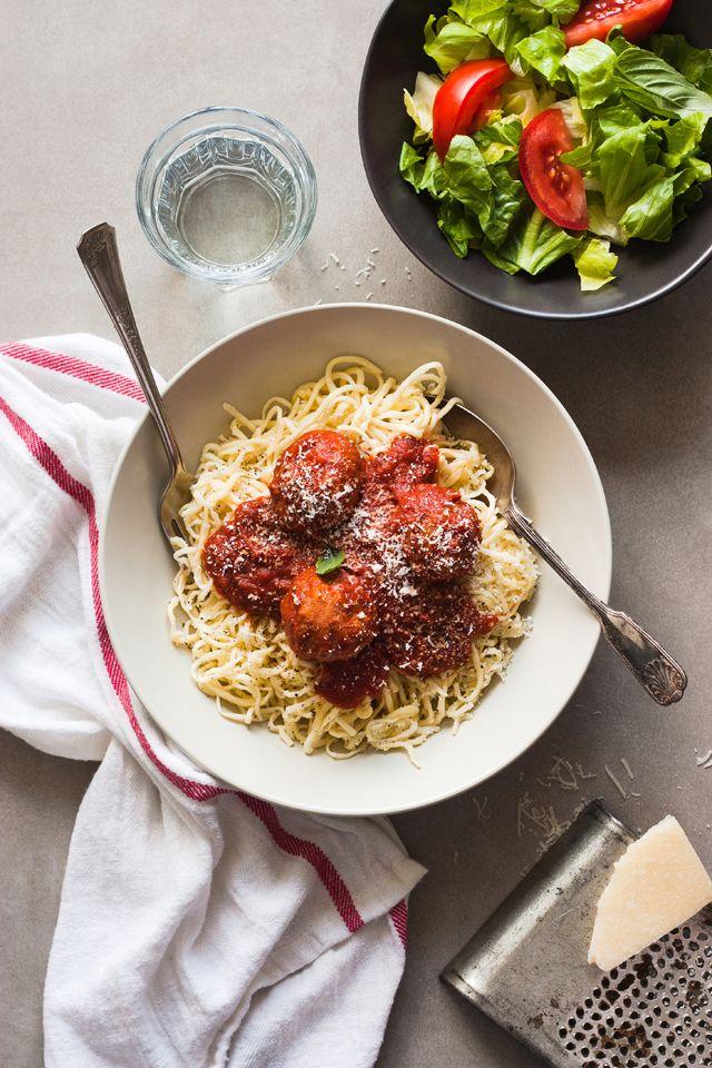 Spaghettis aux boulettes de porc et parmesan maison