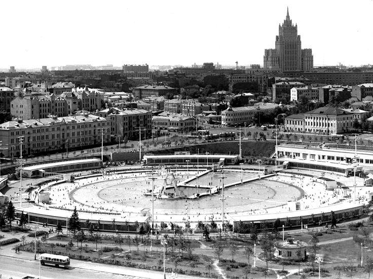 60-е. Бассейн Москва, Волхонка.
