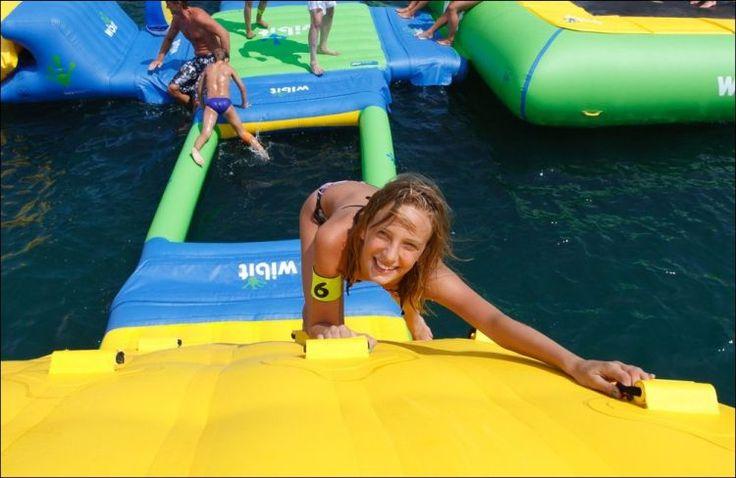 парк брезента PVC 0.9MM белый и зеленый раздувной воды с спортивной площадкой волейбола для сбывания - Надувные аквапарки изгото