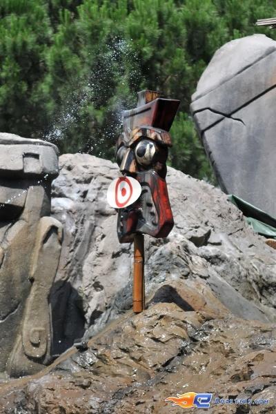 7/13 | Photo de l'attraction Raratonga située à Mirabilandia (Italie). Plus d'information sur notre site http://www.e-coasters.com !! Tous les meilleurs Parcs d'Attractions sur un seul site web !!