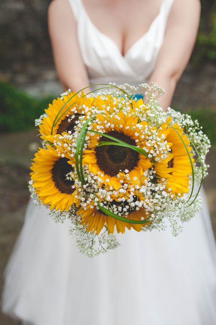 Sunflower Bouquet Flowers Bride Bridal Yellow 1950s Superhero Diner Wedding http://www.cherryredphotography.co.uk/