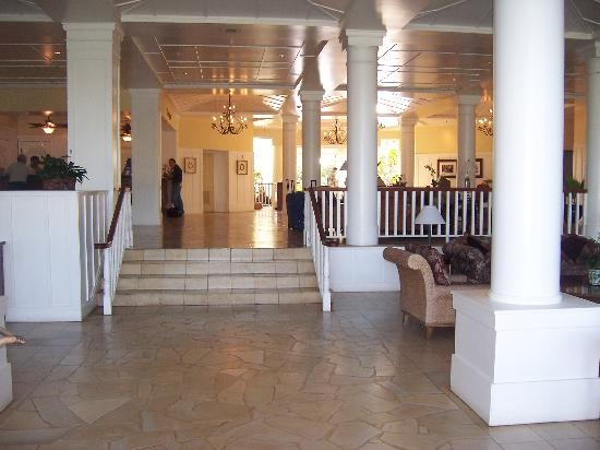 entrance to Kauai Beach Resort