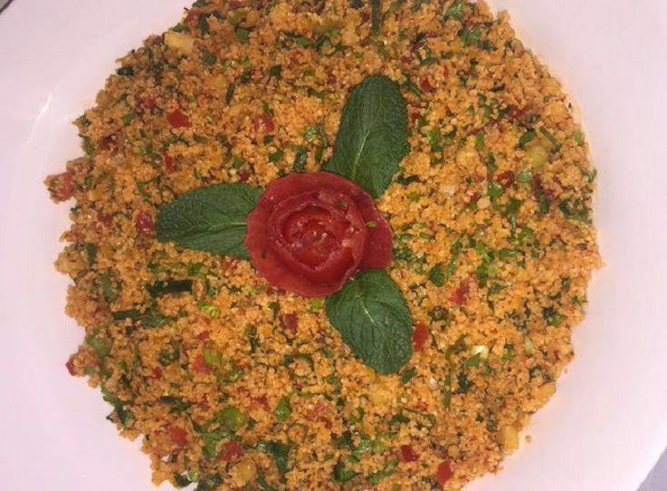 Vandaag lekker Turks. Hieronder het recept voor Kisir. Ingrediënten: 1 glas bulgur 3 lente-ui, kleingesneden 1/2 ui, in blokjes 1 …