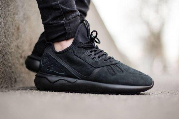 """オールブラックのモードな adidas Originals Tubular Runner """"Core Black"""""""