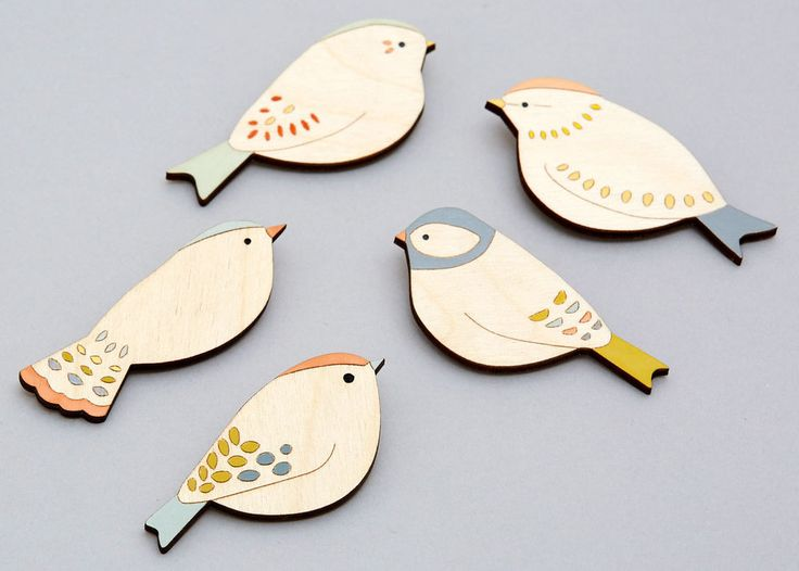 Handmade wooden bird brooches by Anna Wiscombe - www.annawiscombe.com