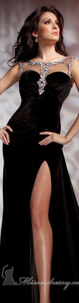 Tony Bowls Collections Formal dress #long #elegant #dress  Chic evening dress- prom-wedding engagement- abiye -gece elbiseleri-soz-nisan -dugun-siyah kadife