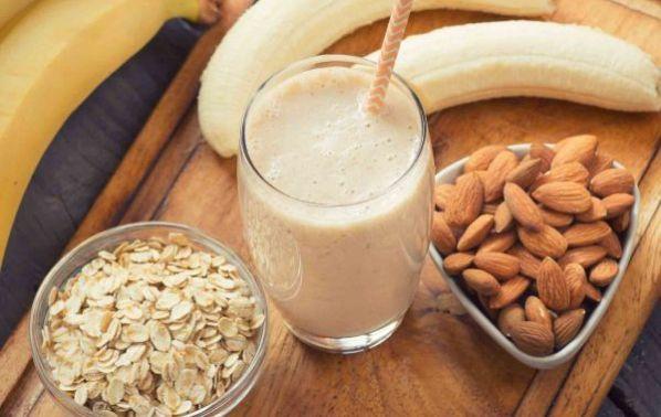 Смути с бадеми, банани и джинджифил: Закуската никога не е била по-вкусна