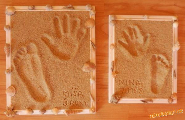 Otisk ručiček a nožiček v písku