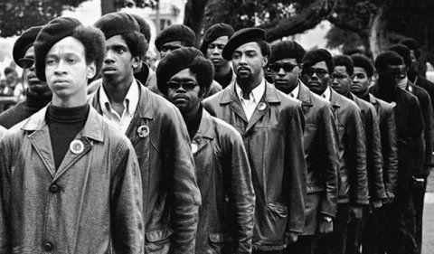 O Partido dos Panteras Negras foi fundado há 50 anos – mas, ainda hoje, muitos equívocos sobre seu revolucionário trabalho correm soltos. Do Pragmatismo Politico The Black Panthers: Vanguard of the Re
