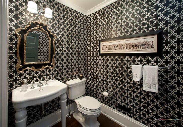 В ванной комнате также могут применяться черные обои на стенах при условии, что будет соблюдена мера включения черного цвета в интерьер