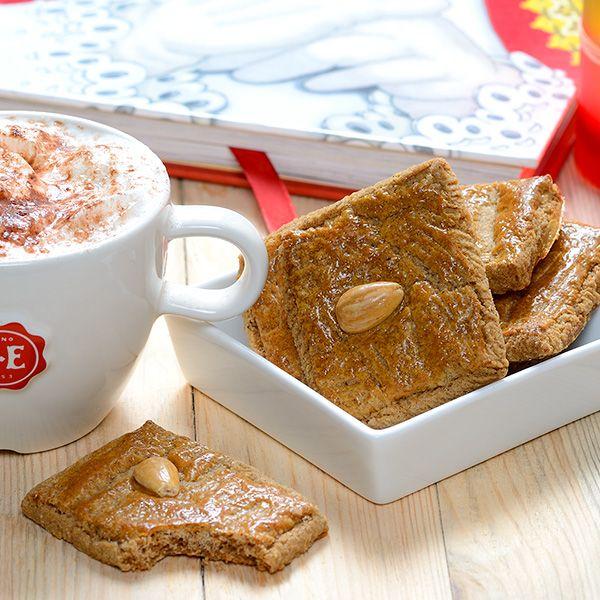 Met dit recept maak je twee bakplaten vol heerlijk brosse speculaaskoekjes. Bak je mee?