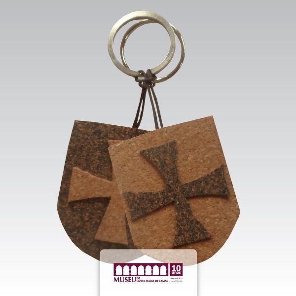 Porta-chaves em cortiça alusivo a Viagem Medieval