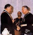 Pinochet entrega el mando a Patricio Aylwin