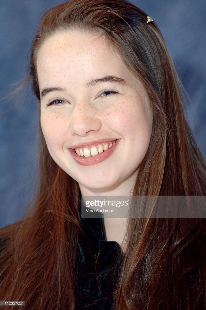 Anna Popplewell during 'The Chronicles of Narnia: The Lion, the Witch and the Wardrobe' Press Conference with James McAvoy, Andrew Adamson, George Henley, William Mosley, Anna Popplewell and Skandar Keynes at Mandarin Oriental Hotel in New York City, United States.