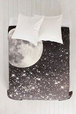 DIY: BLACK SHEET AND FABRIC PAINT!!!!!!Love Under the Stars duvet at Urban Outfitters: I WANT THIS SO BADLY.