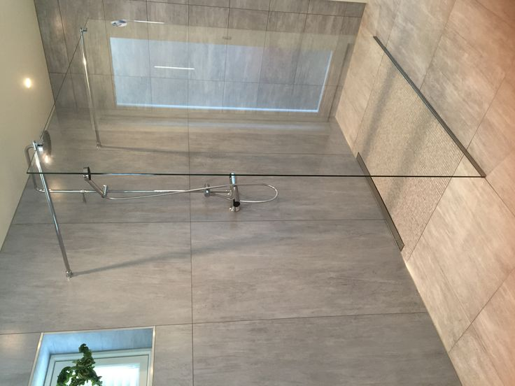 Glassvegg montert på Masterbathroom
