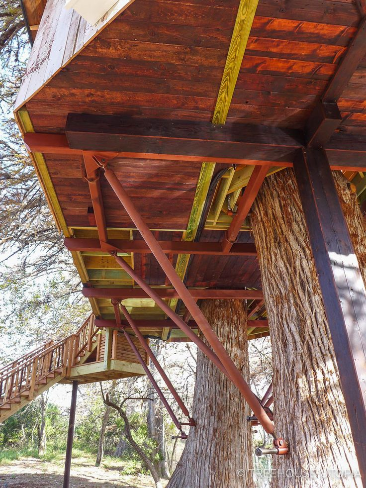 Platform of Chapelle at Treehouse Utopia, a Texas Hill