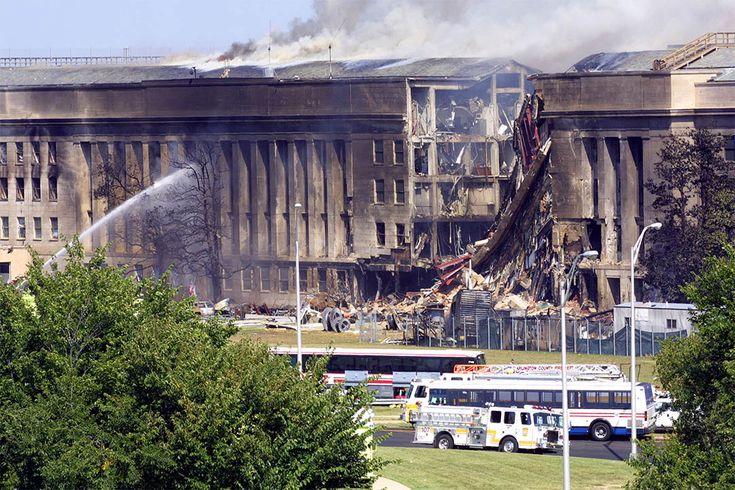 2001年9月11日,濃煙從五角大廈東翼冒出。