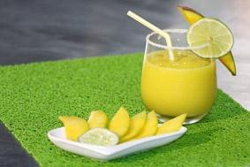 ¿Alguna vez has probado la limonada de mango? Es deliciosa, refrescante y muy nutritiva.