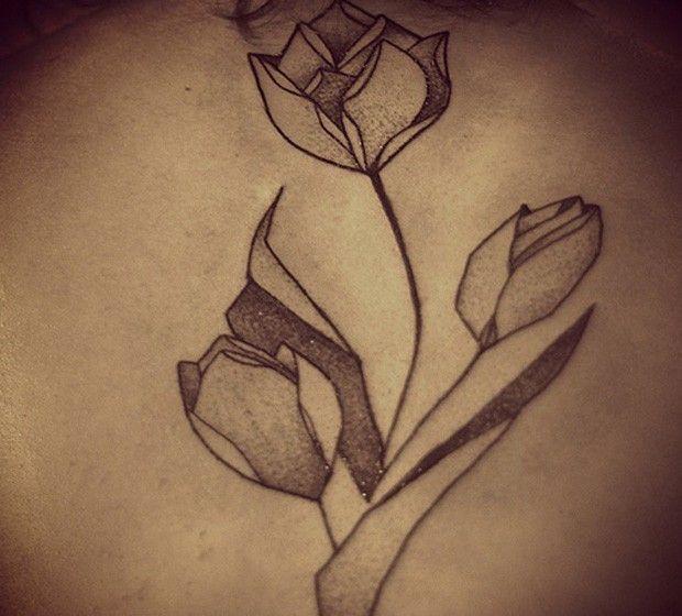 Flores para tatuar que mais combinam com cada signo do zodíaco: descubra a sua - Bolsa de Mulher
