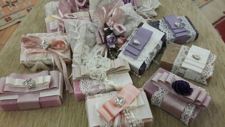 #wedding #düğün #dantel #yeni #özeltasarım #sevdiklerimiz #anı #söz #nişan #nikah #nikahşekeri #süslü #ilginç #fikirler #farklı #düşünceler #hatıra #hediyelik #mumluk #bonibon #kokoş #tasarımlar #badem #şeker #sugar #desing #anışişesi #masa #desing #weddingdesing @wedding_desing