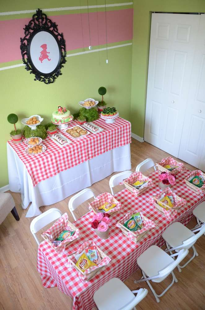 Little Red Riding Hood girl birthday party!  See more party ideas at CatchMyParty.com!