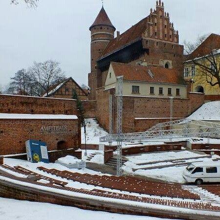 Zamek Olsztyn  Cegła dostarczona :)