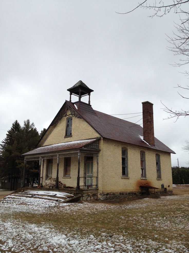 123 best this old school house images on pinterest abandoned places derelict places and ruins - The house in the abandoned school ...