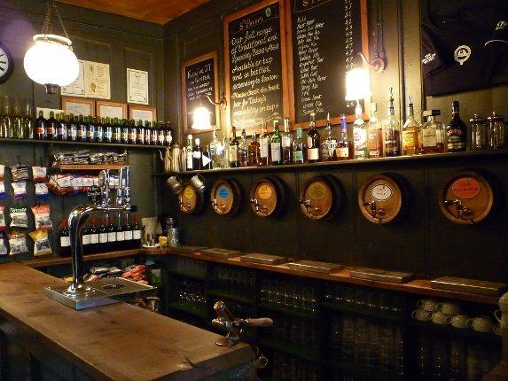 Jerusalem Tavern: Best pint in London.  Closed on weekends.