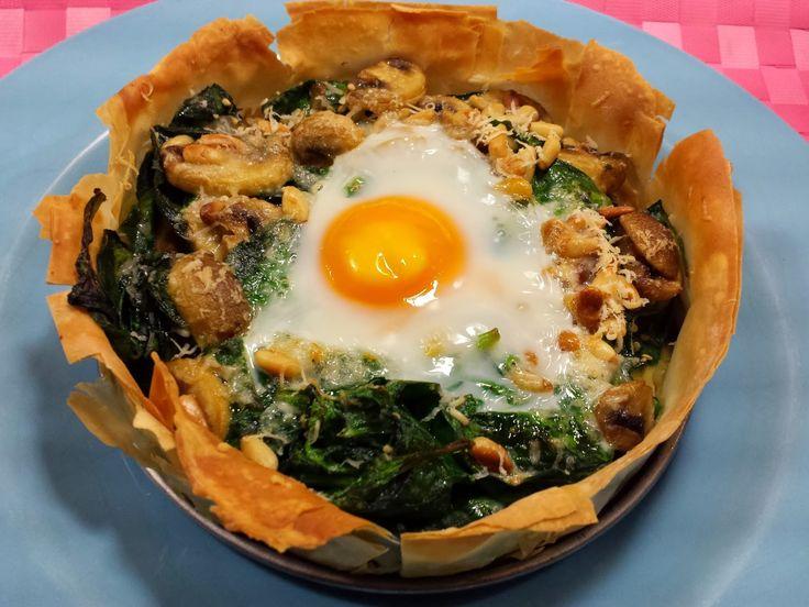 eet smakelijk !: Filodeegtaartje met spinazie en champignons