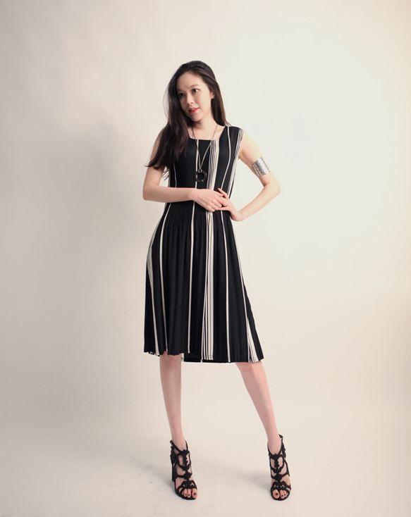 Korea feminine clothing Store [SOIR] yisemi cooling One Piece  / Size : Free / Price : 32.12USD #korea #fashion #style #fashionshop #soir #feminine #special #lovely #luxury #dress #stripe #black