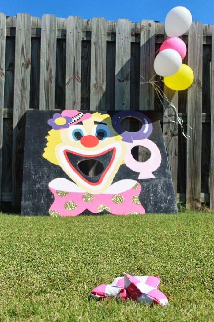 Circus Party with So Many Cute Ideas via Kara's Party Ideas   KarasPartyIdeas.com #CarnivalParty #PartyIdeas #Supplies (8)
